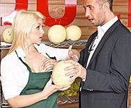 Смотреть нежный секс в пизду сексуальной блондинки - 1