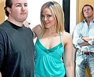 Смотреть горячий секс парня с шикарной проституткой в чулках - 1