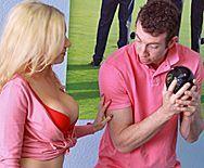 Страстный трах в пизду сексуальной блондинки - 1