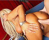 Анальный секс со зрелой блондинкой в оперном театре - 3