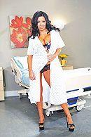 Смотреть порно пациента с брюнеткой с огромными сиськами #1