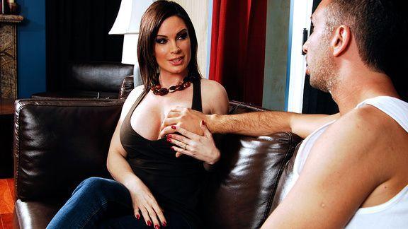 Смотреть горячий секс друга дочки со зрелой развратной мамашкой