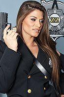 Смотреть горячий секс преступника с сексуальной красоткой в полицейской униформе #5