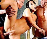 Стройная красивая азиатка трахается в пизду с двумя самцами - 5