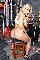 Смотреть жесткий анал блондинки с большой задницей #4