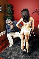 Смотреть красивый секс с молодой брюнеткой с большими сиськами #5
