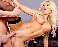 Смотреть жаркое порно с выразительной зрелой блондинкой - 4