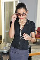 Красотка с большими сиськами занимается сексом в офисе #1
