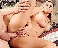 Смотреть жаркий секс с привлекательной взрослой блондинкой - 3
