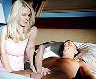Смотреть жаркий секс со зрелой бабенкой в эротическом корсете - 1