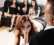 Смотреть групповой секс в офисе с ненасытными похотливыми красотками - 2