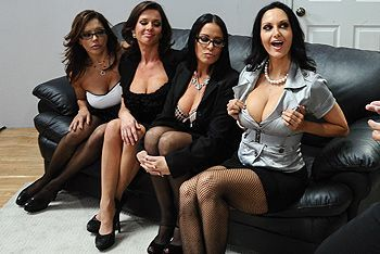 Смотреть групповой секс в офисе с ненасытными похотливыми красотками