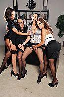 Смотреть групповой секс в офисе с ненасытными похотливыми красотками #2