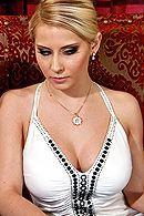 Смотреть порно страстной блондинки с другом #5