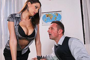 Смотреть порно учителя с пышногрудой сексуальной секретаршей