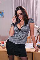 Смотреть порно учителя с пышногрудой сексуальной секретаршей #1