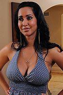 Смотреть нежный секс с брюнеткой с красивыми формами #5