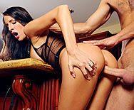 Смотреть нежный секс с сексуальной брюнеткой с красивыми ножками - 3