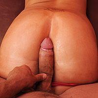 Анальный секс с жопастой бабенкой после массажа