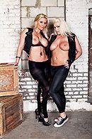 Смотреть жесткий групповой секс двух пар со зрелыми блондинками #4