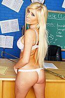 Страстный секс с учителя с молодой блондинкой с огромными сиськами #3