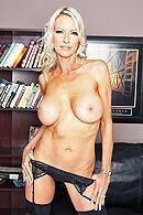 Смотреть порно босса со зрелой секретаршей в офисе #4