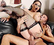 Порно босса с молоденькой азиатской секретаршей в чулках - 4