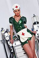 Сексуальная медсестра в униформе лечит пациента страстным сексом #1