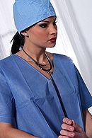 Сексуальная медсестра в униформе лечит пациента страстным сексом #5