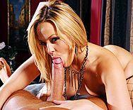 Смотреть красивый секс с молодой блондинкой в эротическом белье - 2