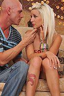 Смотреть горячий секс с блондинкой с татуировками #5