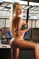 Смотреть безумный секс с красивой блондинкой с огромными сиськами #3