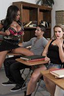 Межрасовый секс студента с шальной смуглой училкой #5