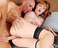 Нежный секс с рыжеволосой девушкой в чулках - 5