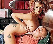 Домашний страстный секс рыжей красотки с большими сиськами с парнем - 1
