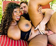 Смотреть межрасовый секс с огромной темнокожей мамочкой - 5