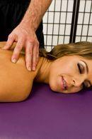 Смотреть нежный секс массажиста с тощей блондинкой #5