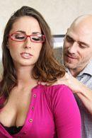 Порно лысого босса со строгой красоткой в офисе #2