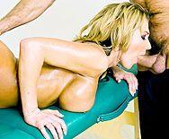 Эффектный секс в пизду после эротического массажа - 2