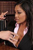 Желанная брюнетка с большими сиськами трахается в офисе с любовником #5