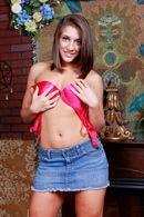 Смотреть красивый секс с молодой шатенкой со стройной фигурой #2