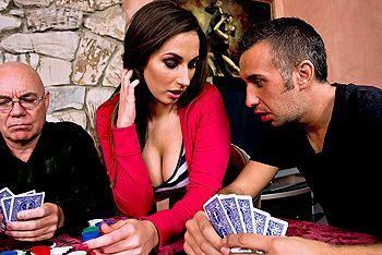 Смотреть жесткий секс с проституткой после игры в покер