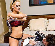 Смотреть аматорский жаркий секс со стройной блондинкой - 1