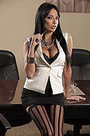 Анальный секс брутального босса с ненасытной сексуальной секретаршей в чулках #1