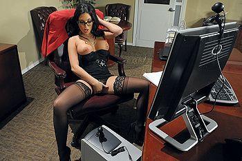 Смотреть порно босса с роскошной секретаршей в чулках