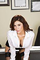 Смотреть секс в офисе с элитной сексуальной красоткой в чулках #2
