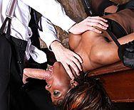 Смотреть жесткий межрасовый секс с ненасытной пышной негритоской - 2