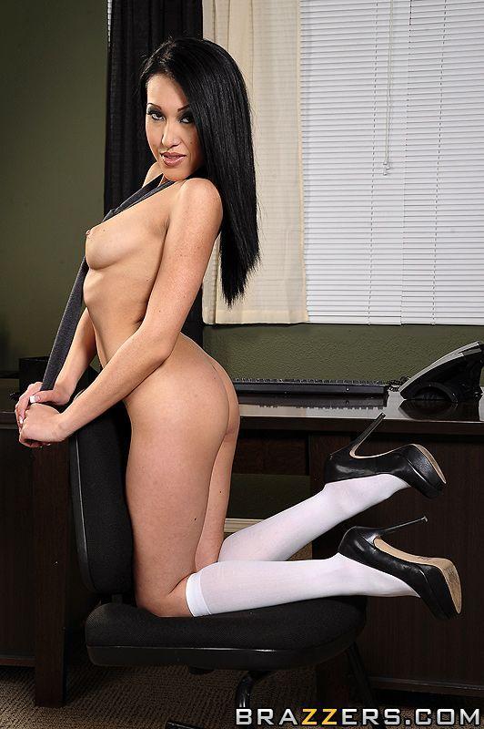 Трахают пару порно секретарша с униформой сисястый
