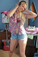 Безупречный секс с молодой блондинкой с натуральными сиськами #5