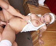 Смотреть жаркий секс учителя с молоденькой сексуальной блондинкой - 5